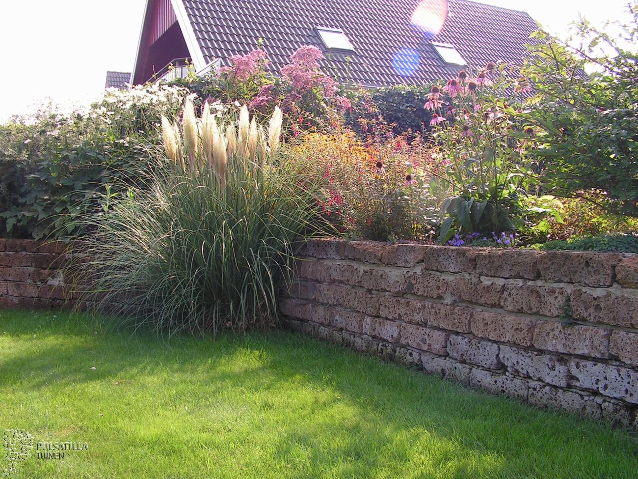 Stenen muur voor tuin beste inspiratie voor interieur design en meubels idee n for Tuin decoratie met stenen