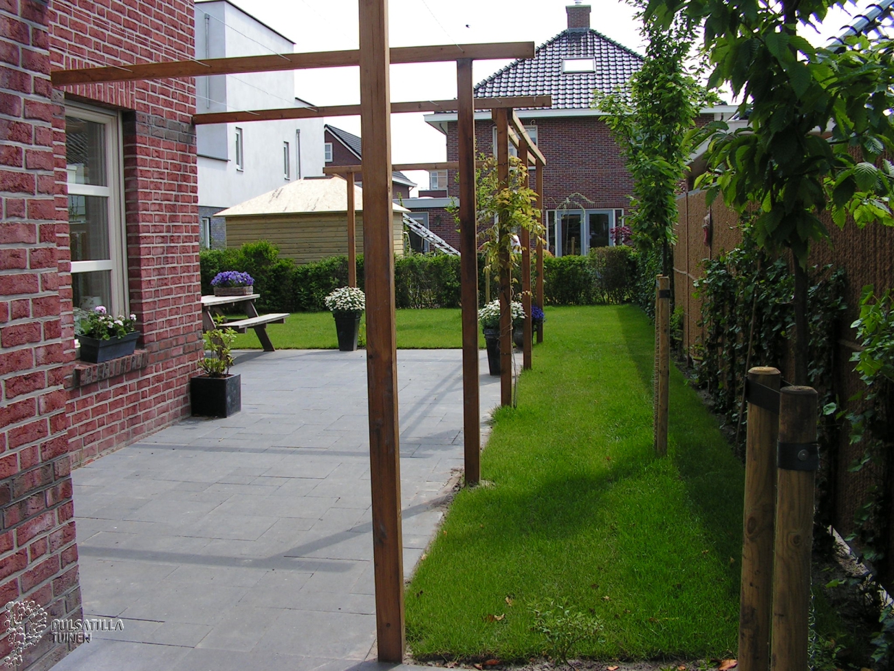 Timmerwerk pulsatilla tuinen - Pergolas hout adossee ...