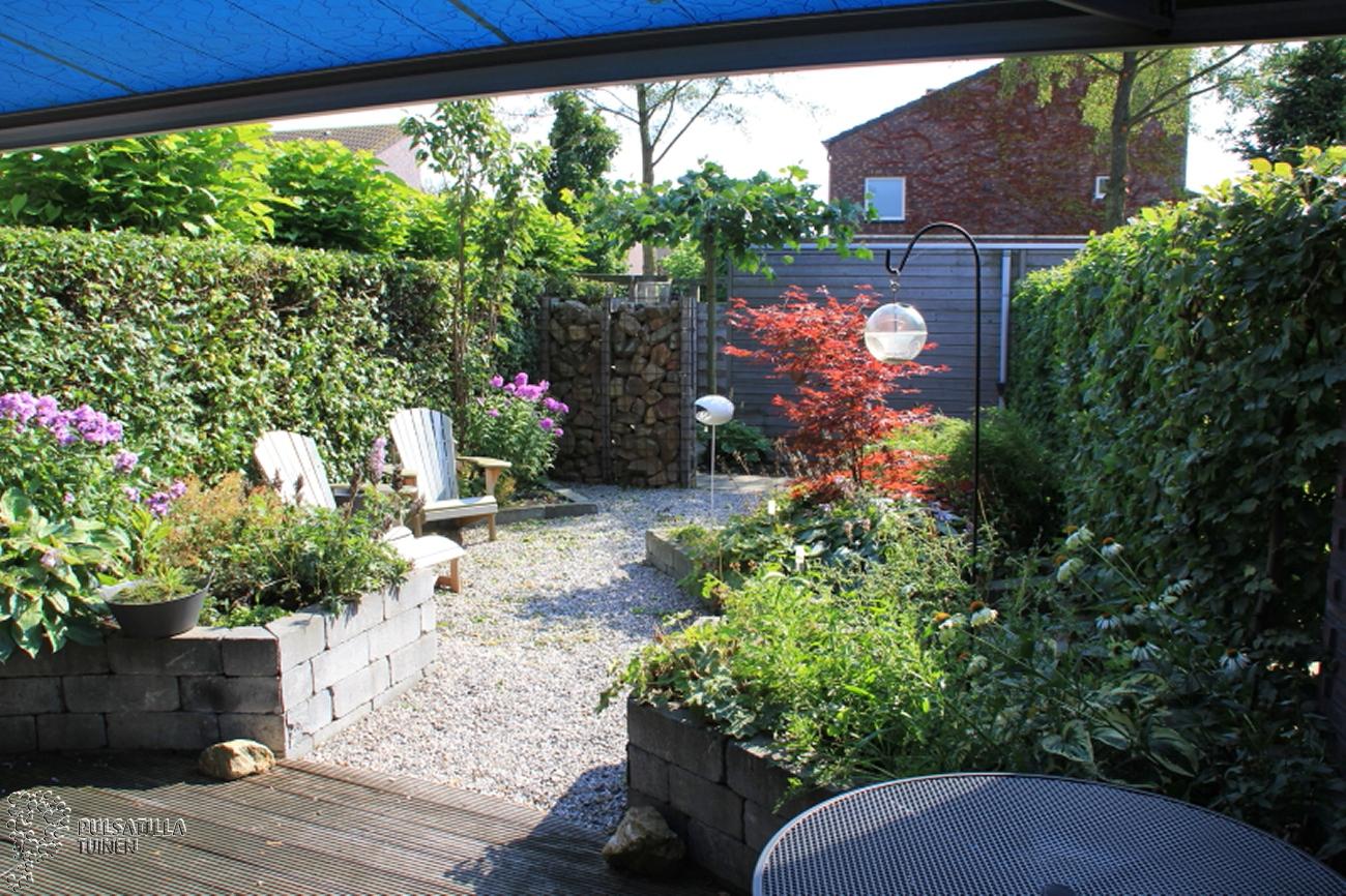 Diagonale tuinen pulsatilla tuinen for Tuinontwerp schuine lijnen