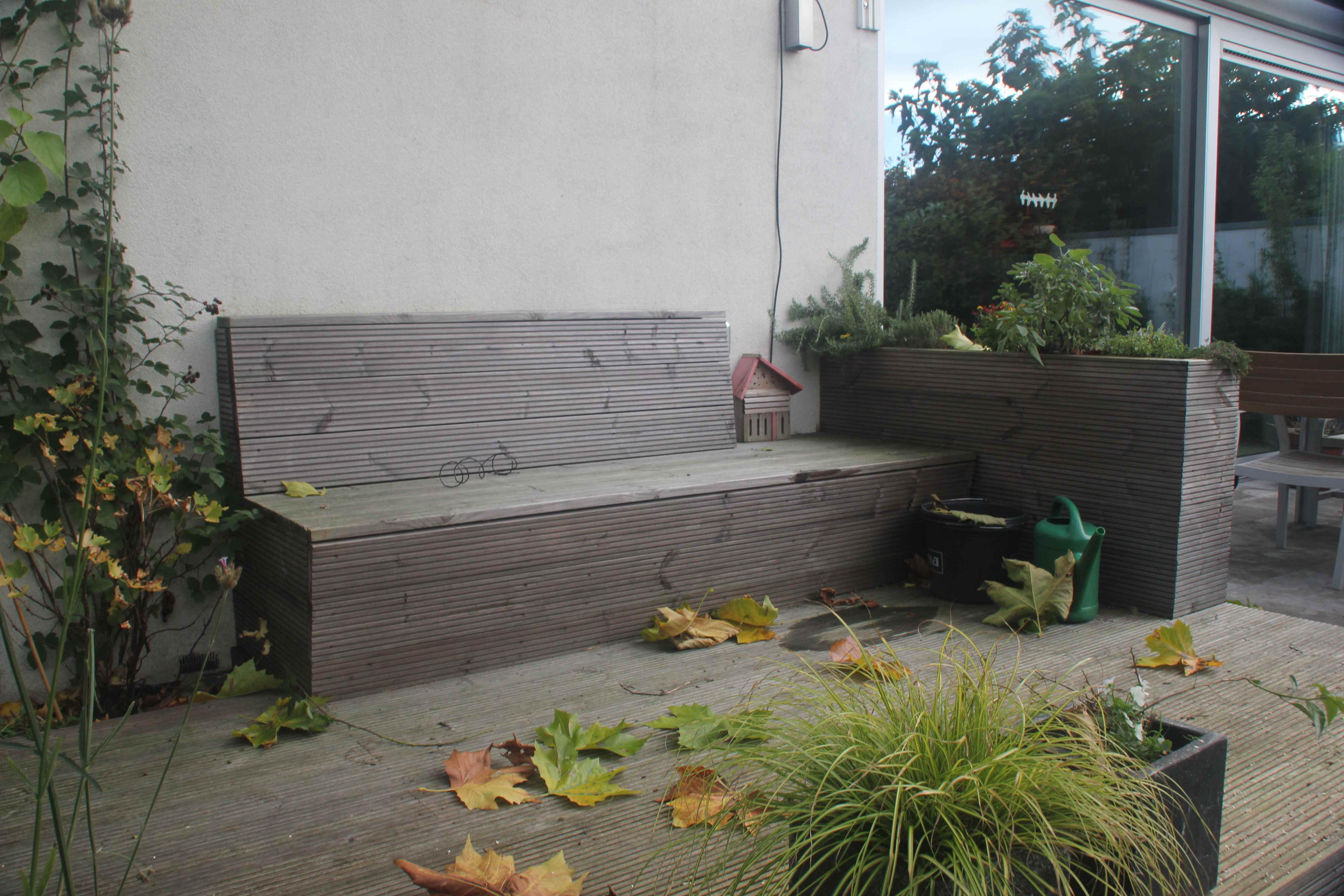 tuinbank-met-kruidenwand